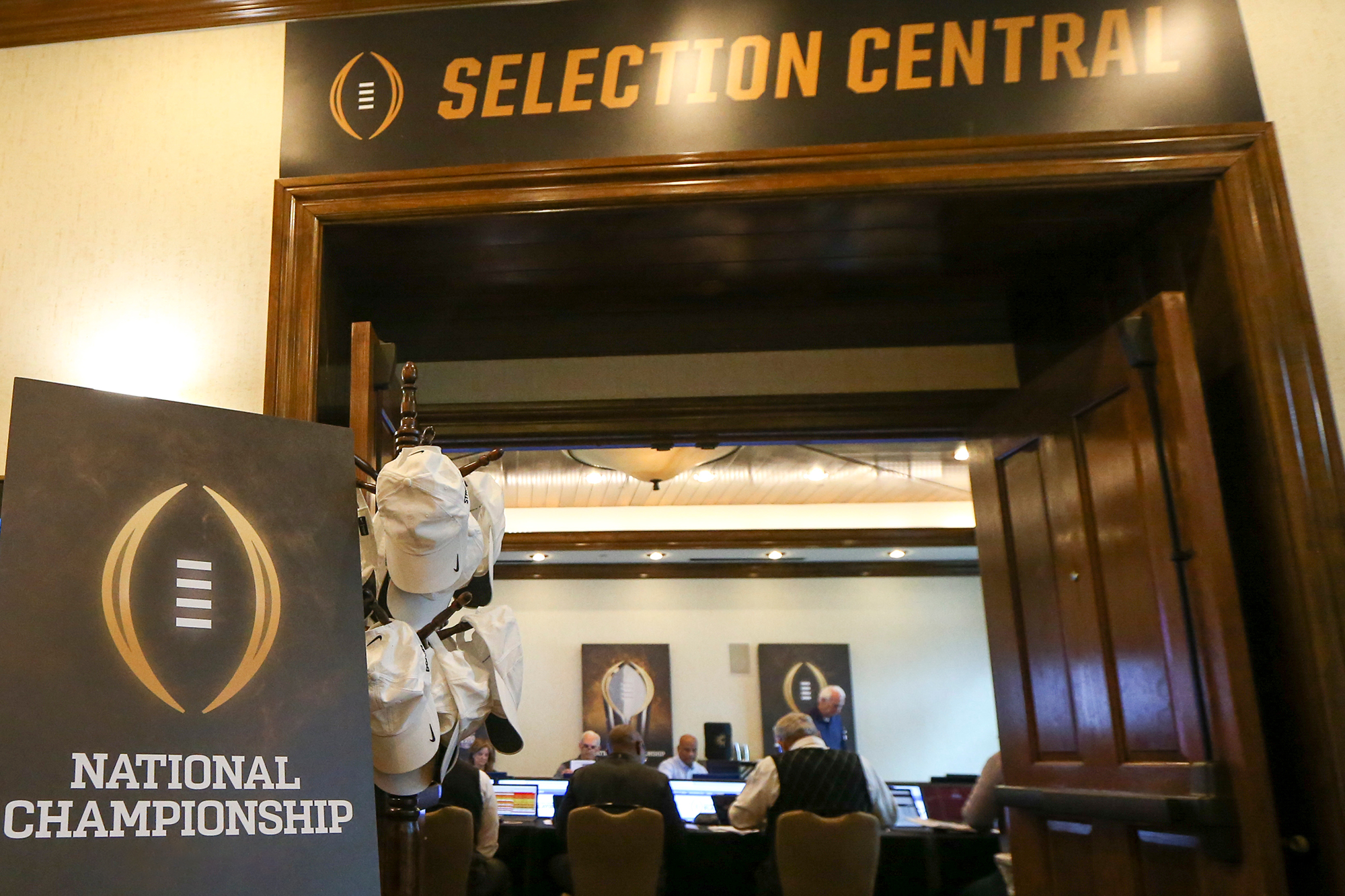 About the CFP Selection Committee Rankings - College Football Playoff